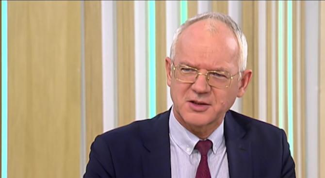 Васил Велев: Изработилите вдигането на заплатите на чиновниците ще имат по-малко увеличение