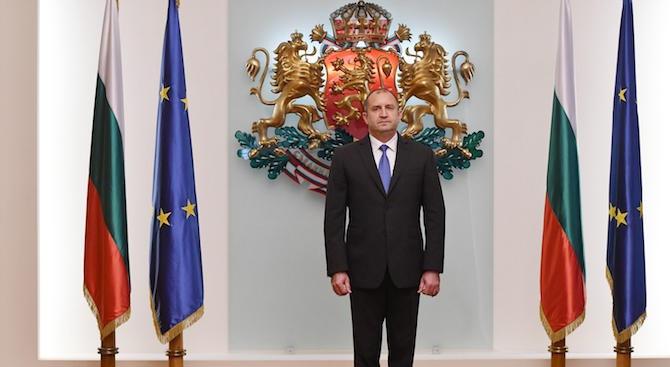 Румен Радев: Честит празник, българи!