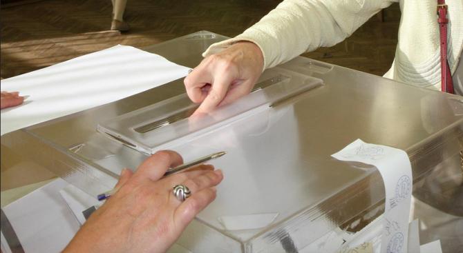 Спокойно е започнал изборният ден в Ловешко