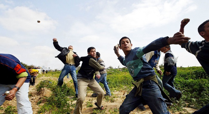 Потвърдиха присъдите на афганистанците, участвали в бунта в бежанския център в Харманли