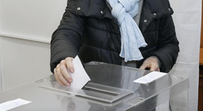 Избирателната активност към 10.00 часа на балотажа във Варна е 2.95%