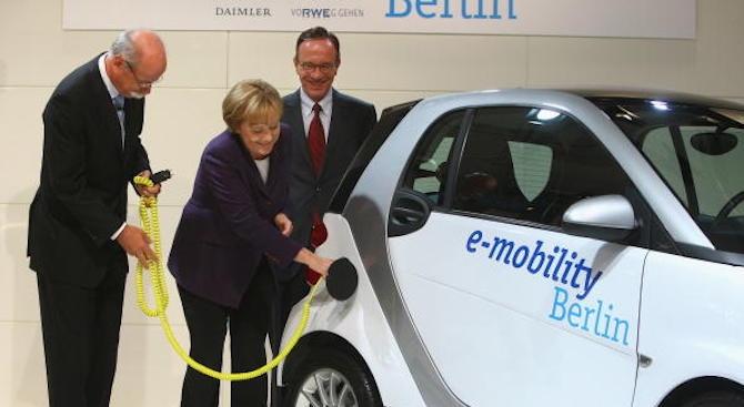 Ангела Меркел иска до 2030 г. в Германия да има един милион зарядни станции за електромобили