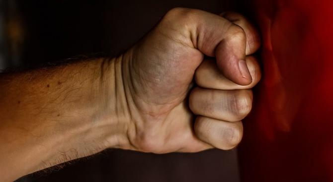 Пребиха 56-годишна жена в магазин в Кюстендил