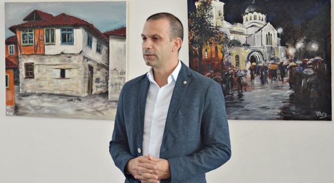 Кирил Котев напуска постовете си в ГЕРБ, няма да става и общински съветник