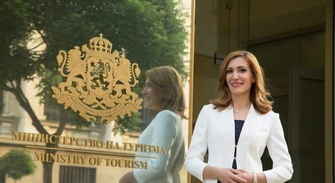 Министър Ангелкова е на работно посещение в Лондон