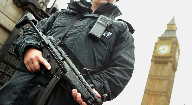 """Великобритания понижи нивото на заплаха от терористични атаки на """"значително"""""""
