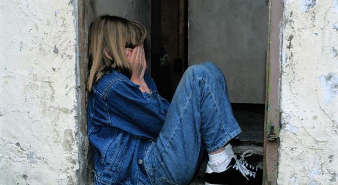Мъж изнасили родната си дъщеря във Варна, тя опита да се самоубие