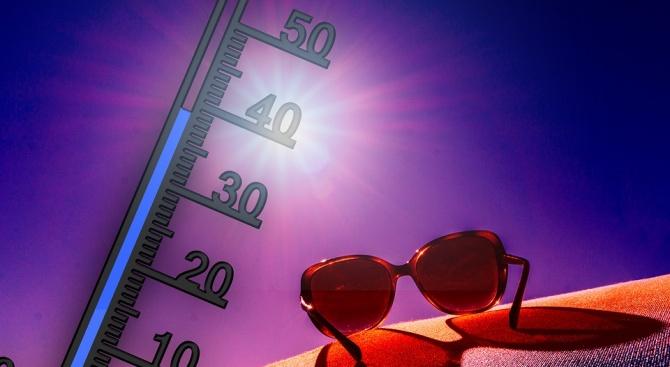 27 градуса отчетоха термометрите в Ловеч