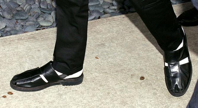 Продават на търг чорапи на Майкъл Джексън