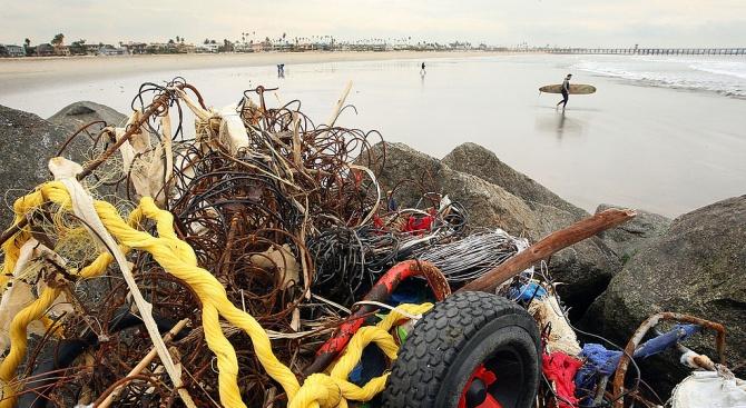 Грийнпийс: 600 хил. тона боклуци от риболовна дейност попадат в океана всяка година
