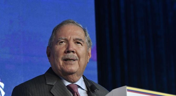 Колумбийският министър на отбраната подаде оставка след критики и обвинения