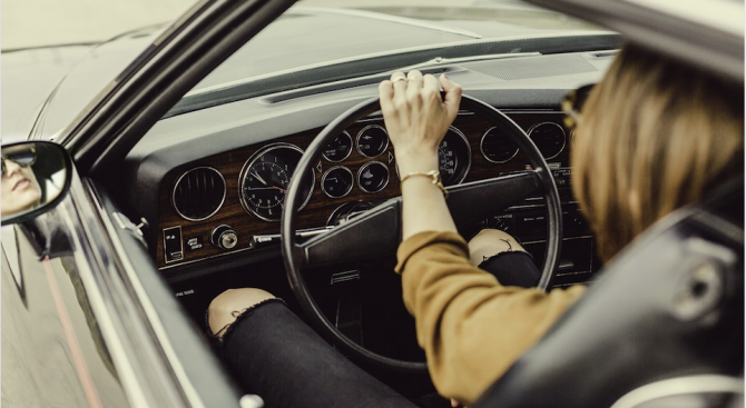 Жените са по-добри шофьори от мъжете, сочи проучване