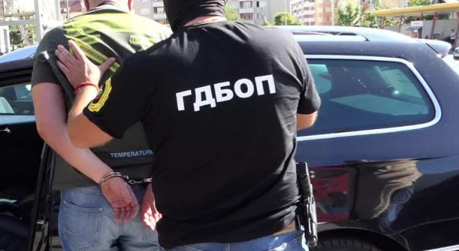 Мащабна спецакция на ГДБОП и жандармерията в Павликени