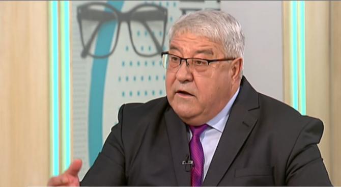 """Гърневски: Не е нормално десни хора да подкрепят БСП и""""червеното"""" острие Манолова"""