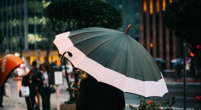 Днес ще бъде предимно облачно с превалявания от дъжд