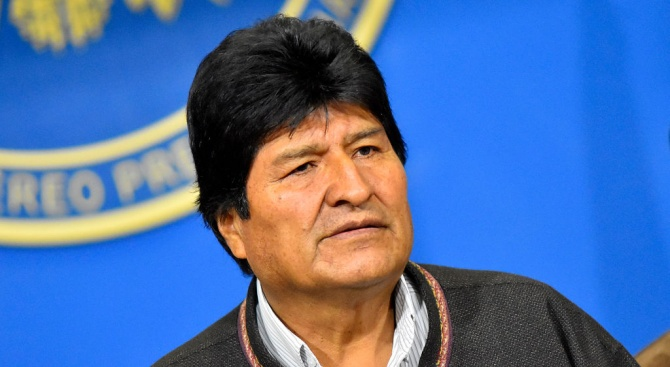Президентът на Боливия Ево Моралес подава оставка