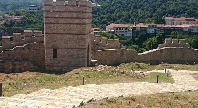 """Средновековна синагога е разкрита при археологическите проучвания на крепостта """"Трапезица"""""""