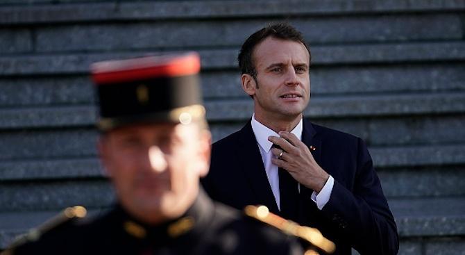 Президентът на Франция почете загиналите във войните