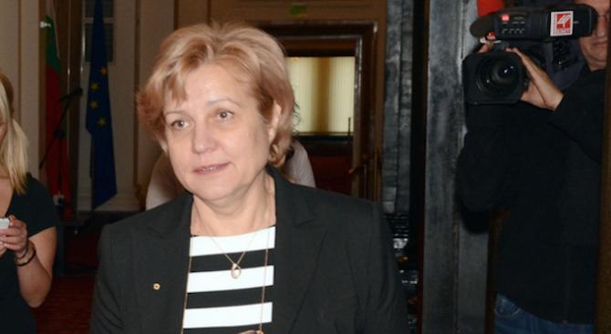 Менда Стоянова: Бюджет 2020 ще е пица с пармезан и шунка