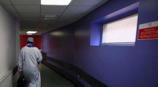 Частна болница в Пазарджик наела лекар без права