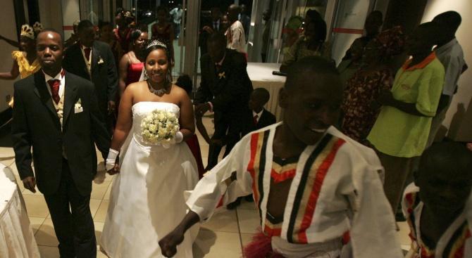 Нигерийци отсвириха браковете заради пари