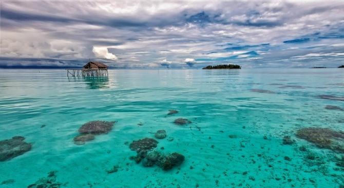 Трус със сила 7,4 в Индонезия, издадено е предупреждение за цунами