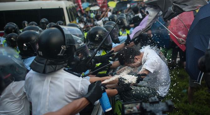 Хонконг не е искал помощта на китайската армия за почистването на барикади от улиците