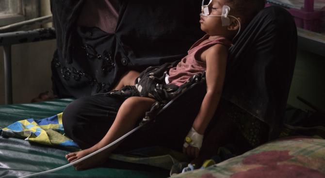 9-месечно бебе почина в бежански лагер на остров Лесбос