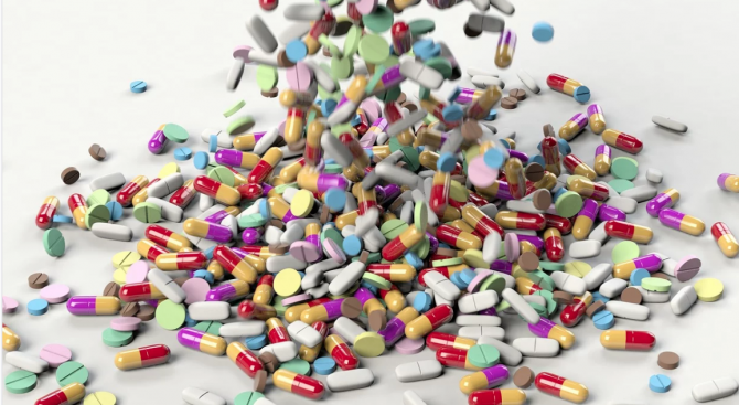Здравните работници имат пропуски в знанията за резистентността към антибиотици