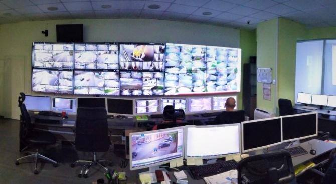 В Бургас увеличават камерите