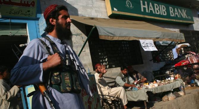 Талибаните: Освободихме американец и австралиец