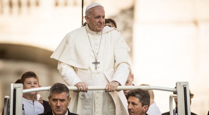 Папа Франциск кацна в Тайланд