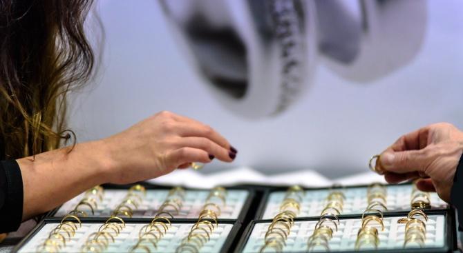 Иззеха над 2,5 кг незаконно злато от магазин в Пазарджик