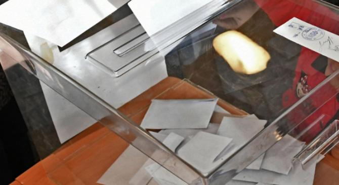 Съдът назначи нови експертизи по делото за изборите в с. Бозвелийско