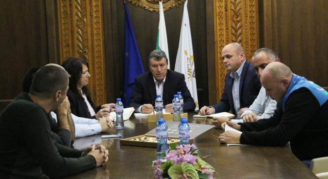 Среща на ръководството на Община Банско с отговорните институции преди зимния сезон