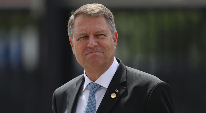 Клаус Йоханис печели балотажа на президентските избори в Румъния с над 65%