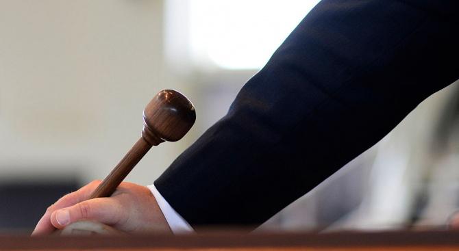 Двама на съд заради хашишово масло за над 14 000 лева