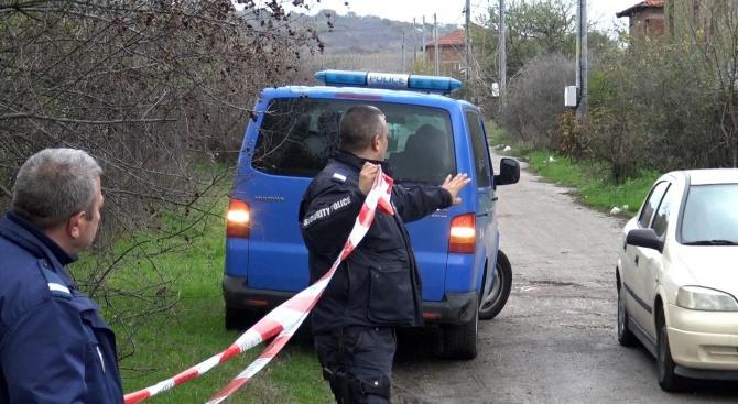 Разследват убийство в хасковско село