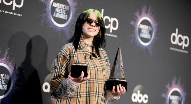 "Били Айлиш беше избрана за ""Жена на годината"" на сп. ""Билборд"""