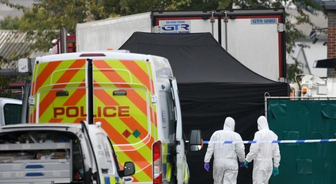 Телата на 16 мигранти, намерени в хладилен камион край Лондон, бяха върнати във Виетнам