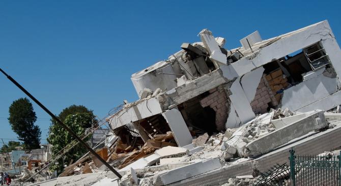 """21 турци са били спасени """"по чудо"""" в Албания"""