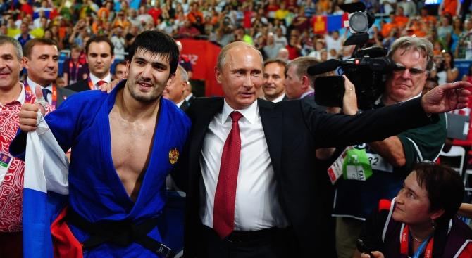 Владимир Путин разкри кой му е помогнал да се опълчи срещу родителите си