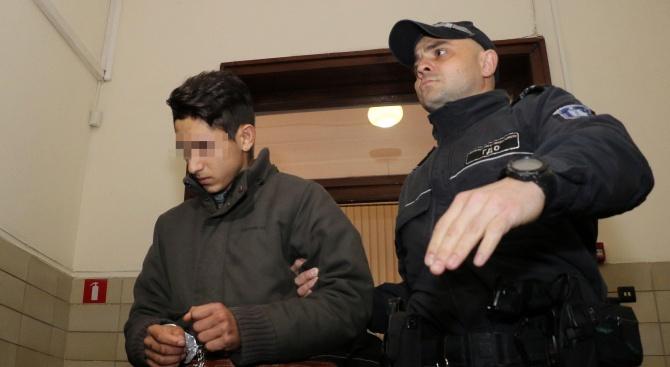 14-годишният, убил мъж в Александрово, остава в ареста