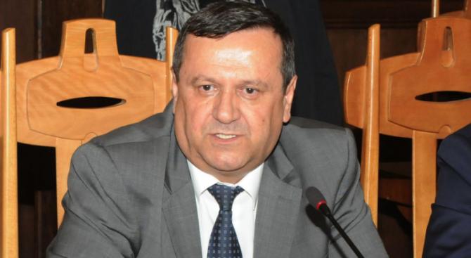 Хасан Адемов е изненадан от исканата оставка на Бисер Петков
