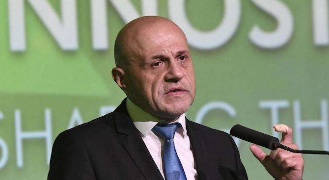 Томислав Дончев: Въпреки протестите на майките този път Борисов няма да върне Бисер Петков
