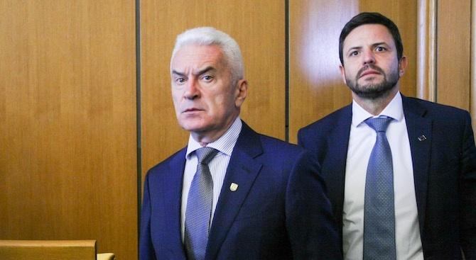 Волен Сидеров: Ще вдигна бунт срещу повишения данък за колите