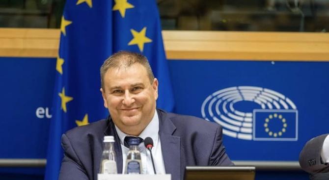 Цацаров и Гешев в Брюксел, коментират с Емил Радев Механизма за сътрудничество и проверка за България