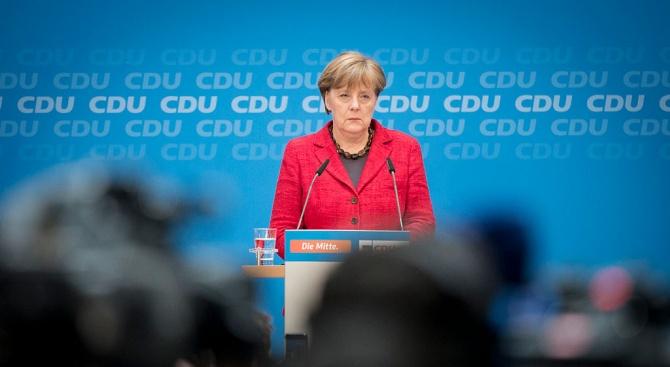 Британски вестник: Ангела Меркел пада до Коледа?