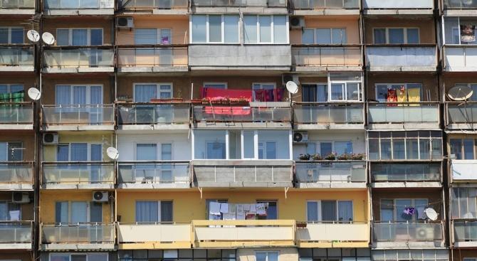 Всеки четвърти млад българин мисли да емигрира заради промени в климата