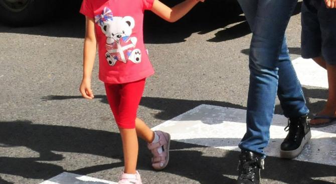 Шофьор блъсна 9-годишно дете на пешеходна пътека в Първомай